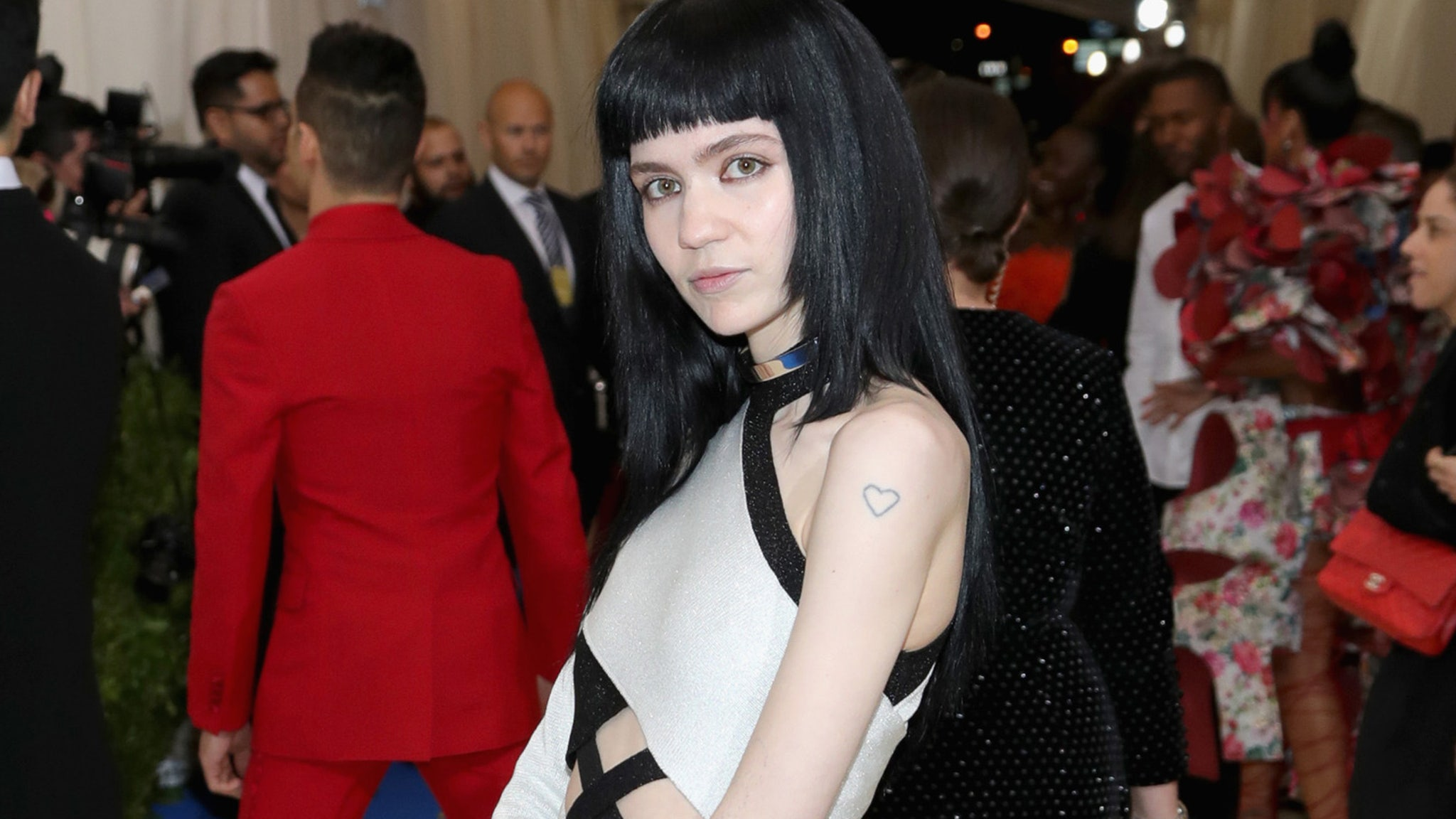 Grimes is Auctioning Off Her Soul at Art Exhibit