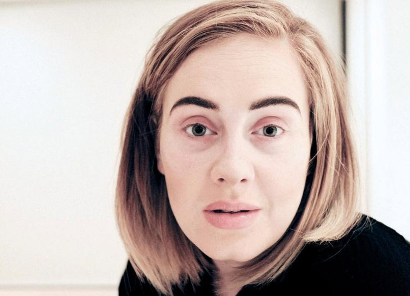 Adele Goes Makeup-Free To Apologize To Fans, Looks Stunning!