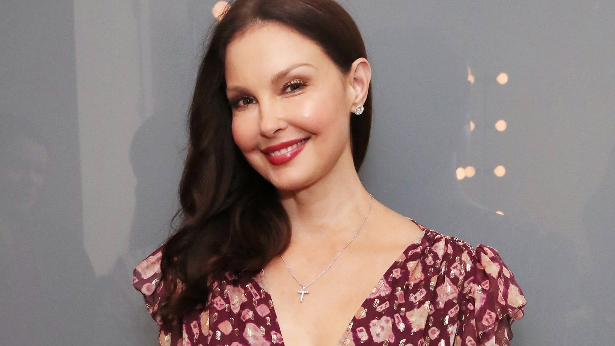 Ashley Judd walks again six months after breaking her leg in Congo