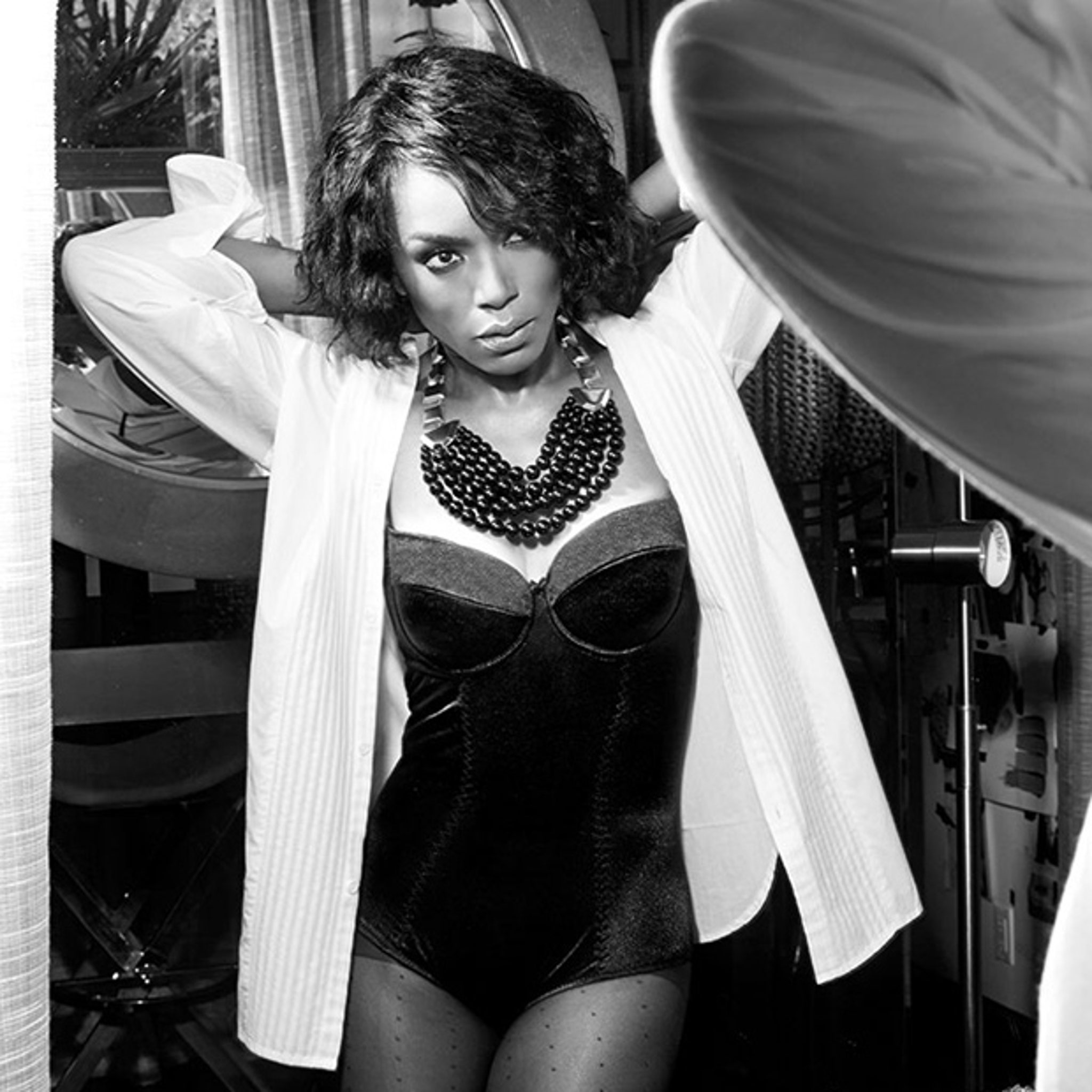 Angela Bassett 55 Looks Stunning In Sexy Lingerie See The Pics
