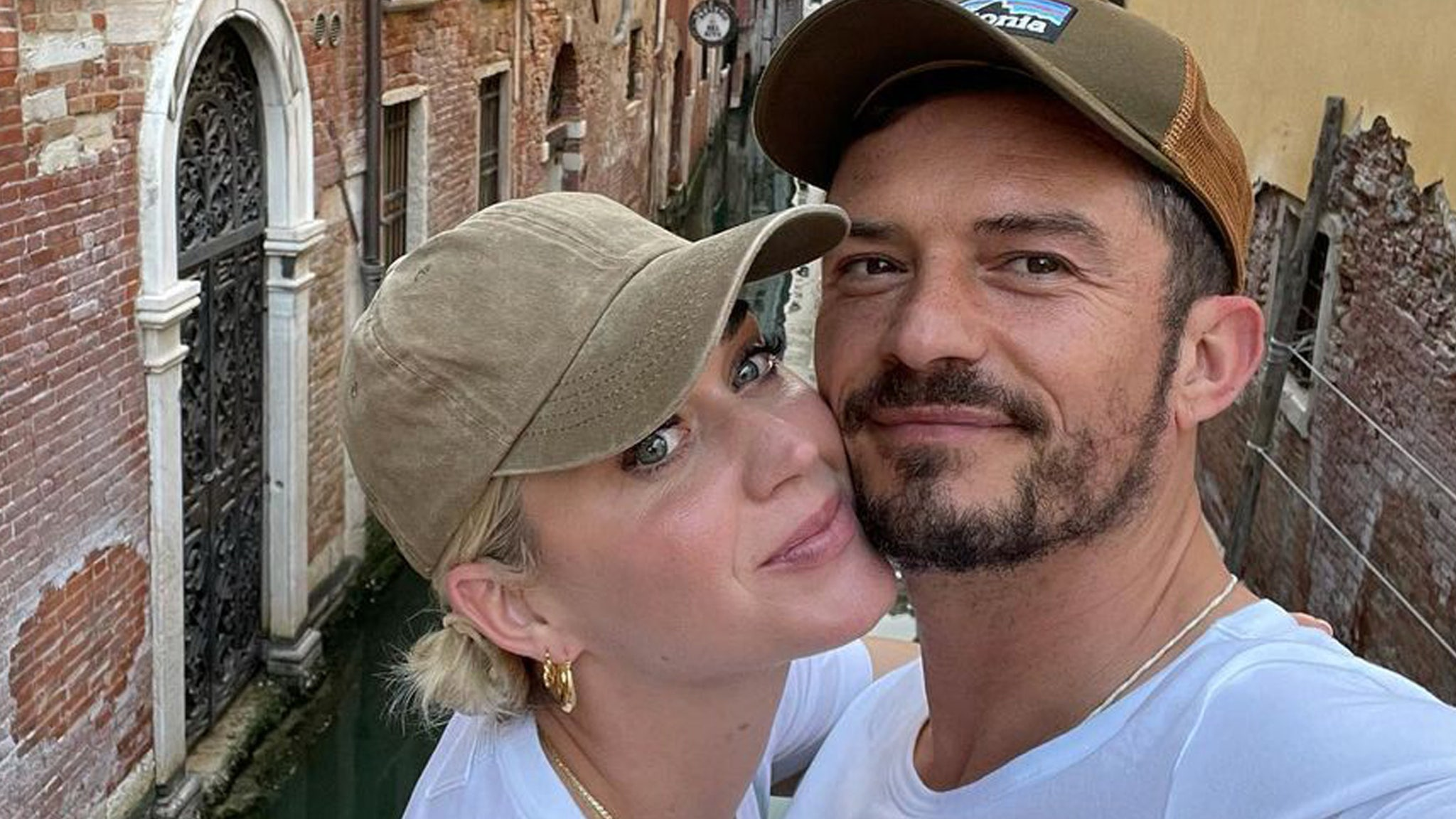 Orlando Bloom and Katy Perry enjoy a romantic vacation in Italy