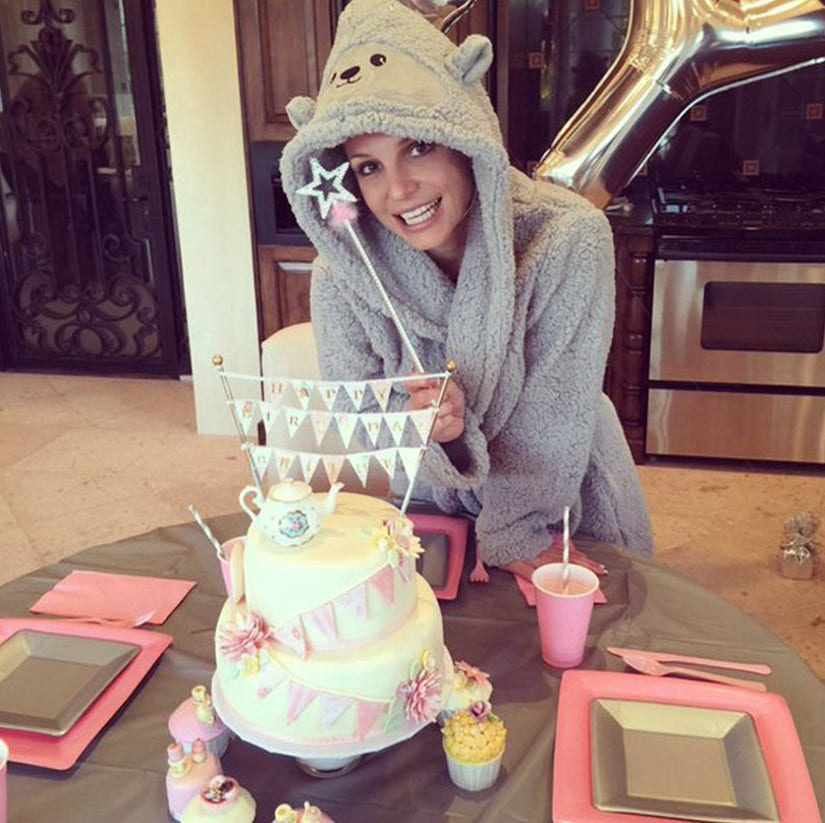 Magnificent Britney Spears Gets Big Birthday Surprise From Miley Cyrus Funny Birthday Cards Online Alyptdamsfinfo