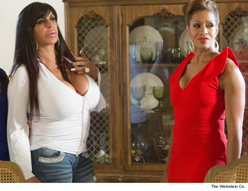 First Look Big Ang And Real Housewife Sheree In Scary Movie 5