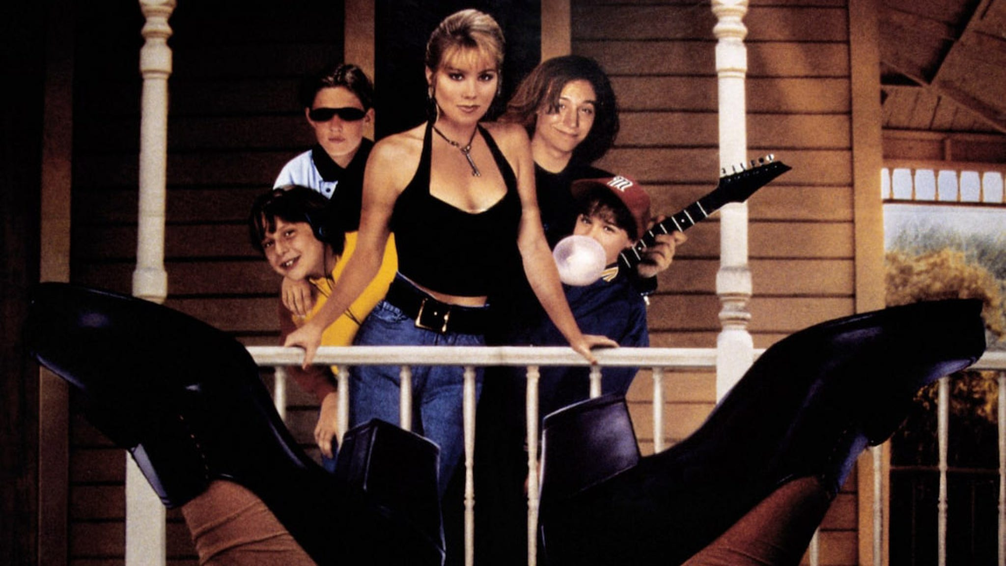Don't tell mom the babysitter is dead turns 30 – check out the cast now!