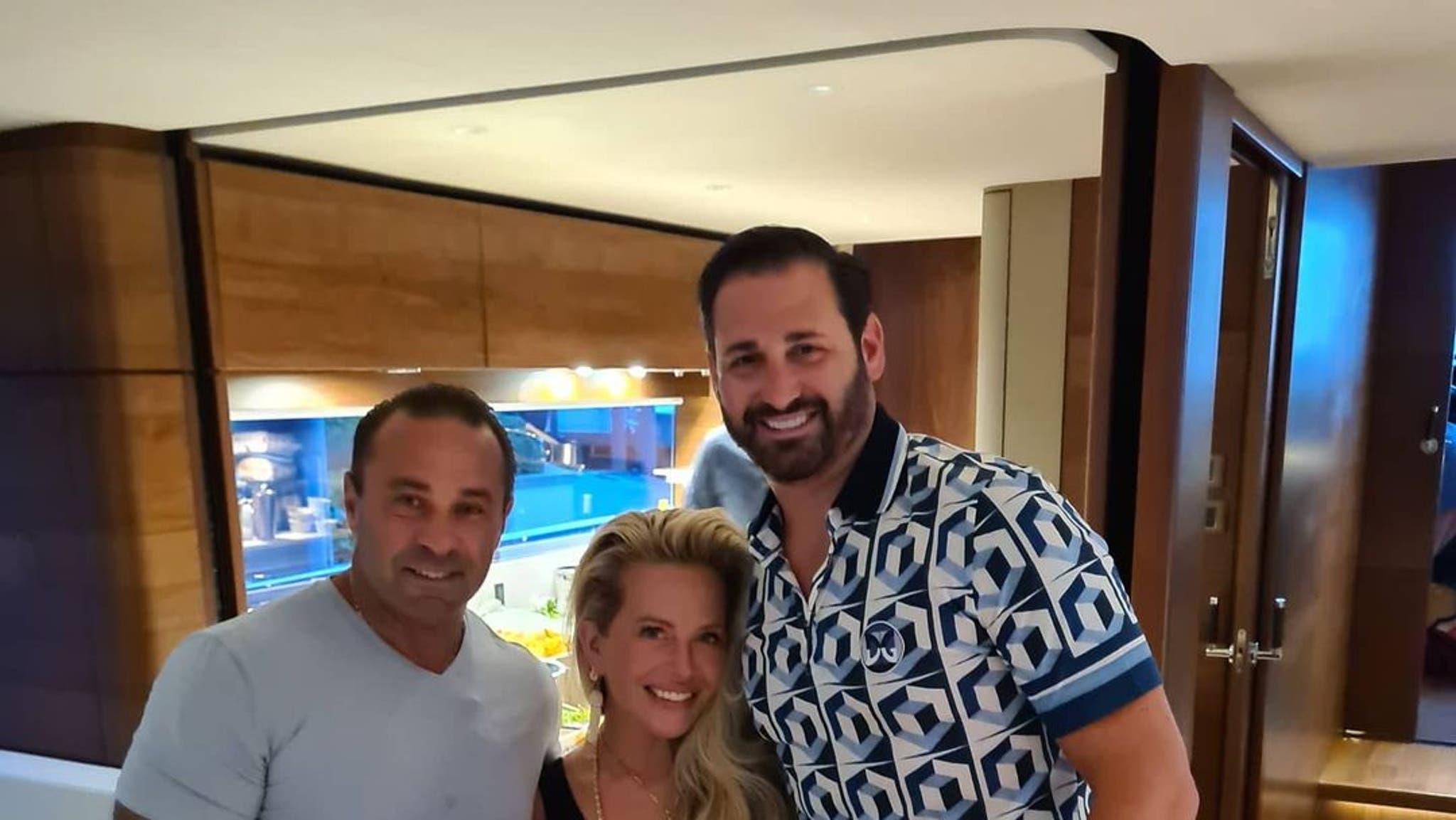 Joe Giudice meets Dina Manzo for the first time in six years