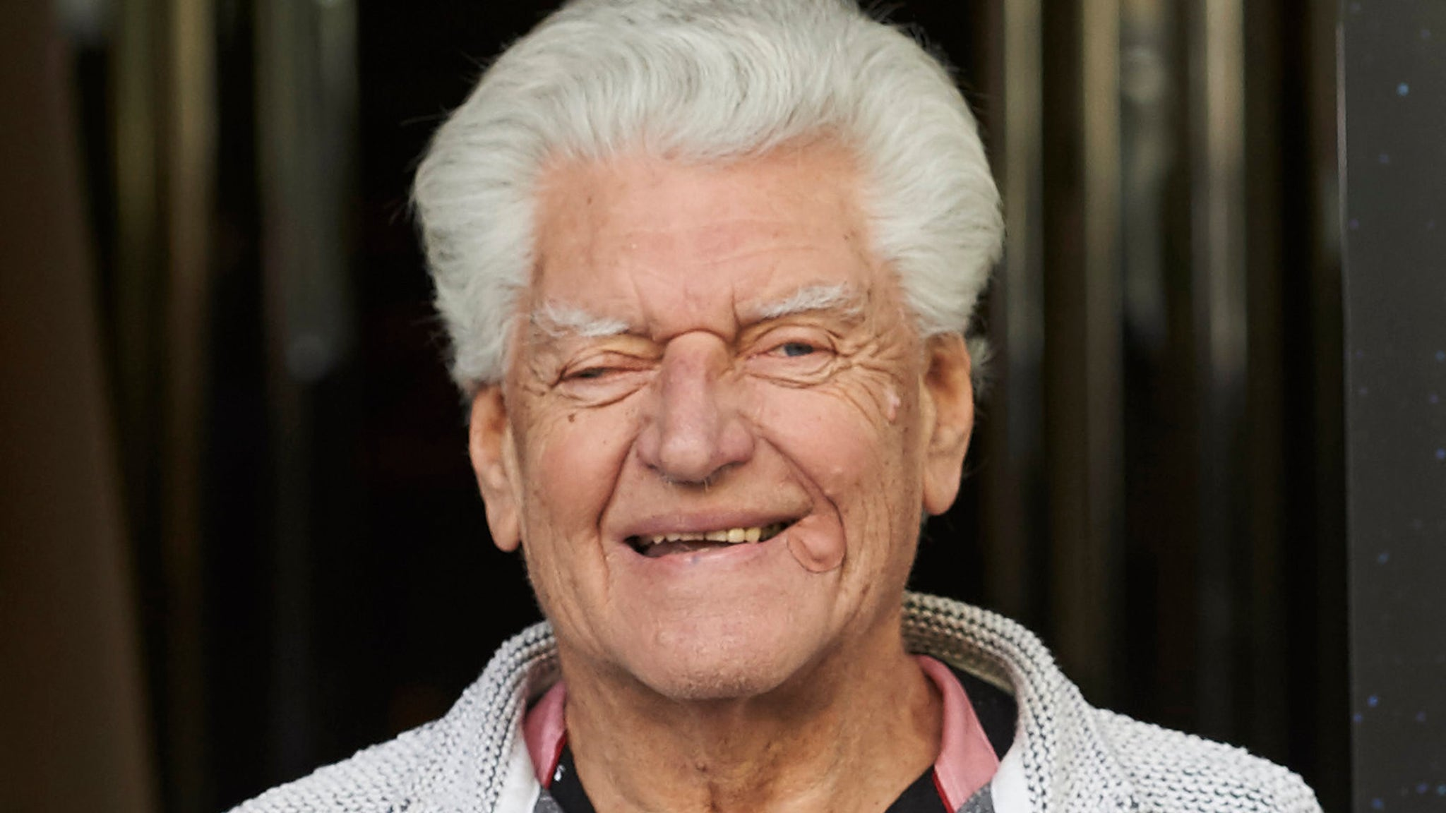 Star Wars Stars and Fans Mourn Death of David Prowse, Man Behind Darth Vader's Mask