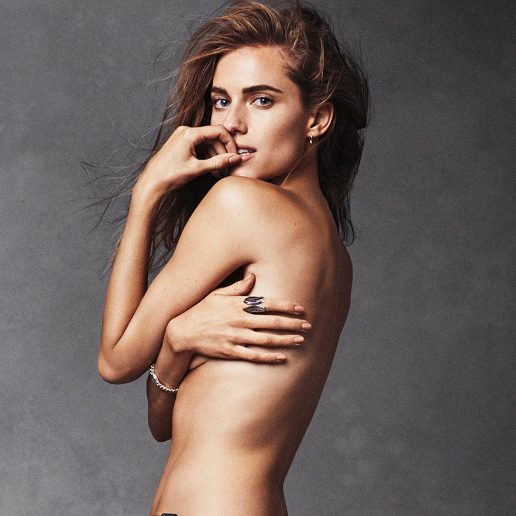 Allison Williams Sexy