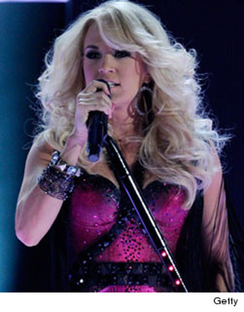 Carrie Underwood Miranda Lambert Lead Cmt Music Awards Nominations