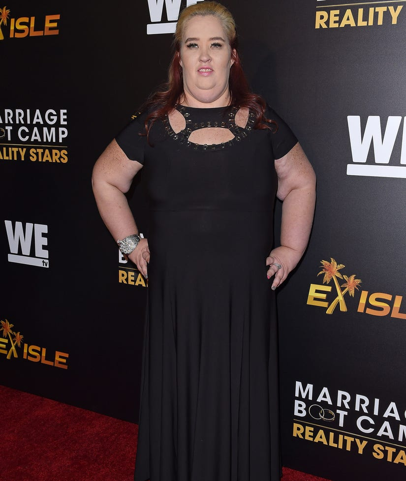 What the Internet is Saying About Mama June's Extreme Weight Loss (Photos)