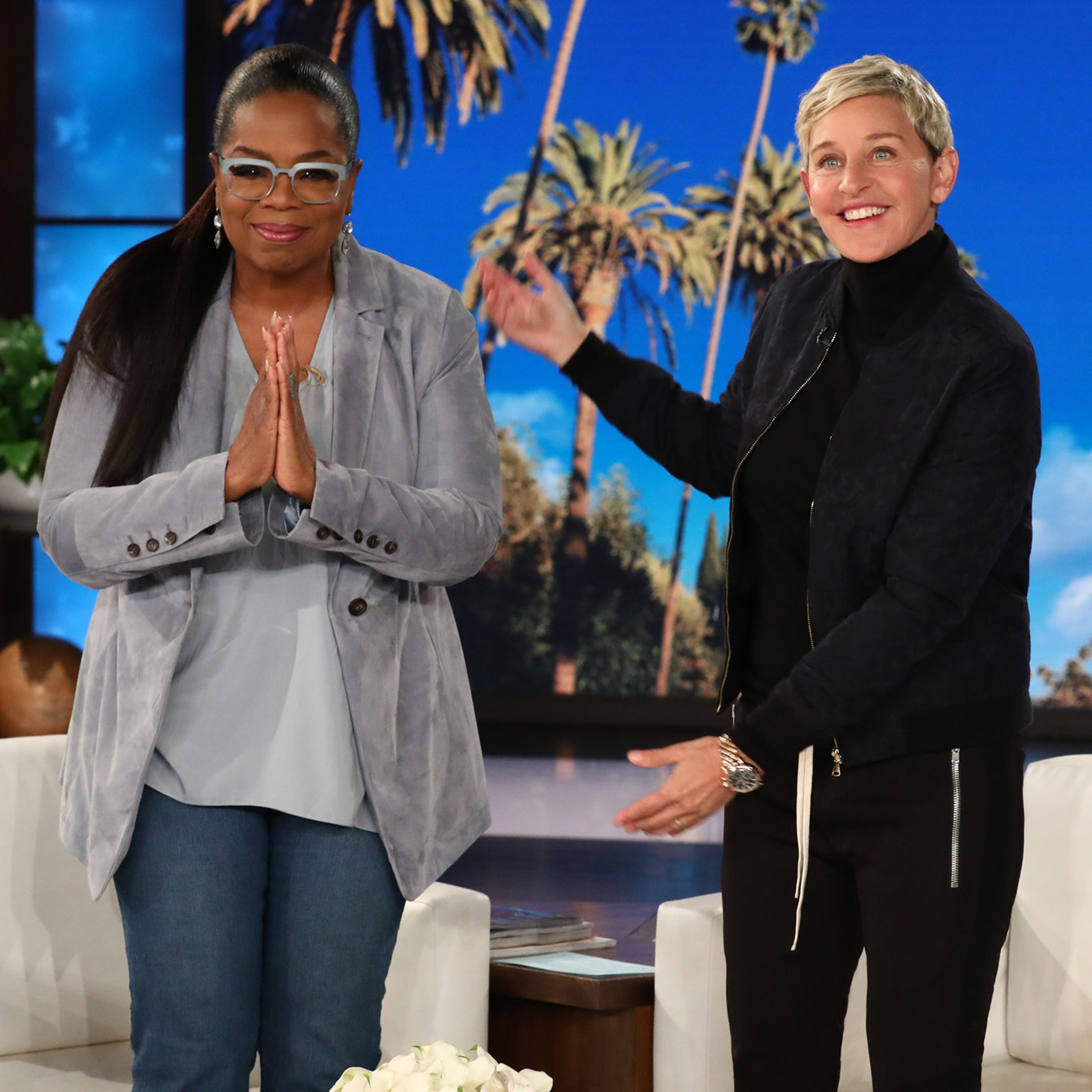 Oprah Literally Shrugs Off Trump S Insecure Twitter Taunt After Ellen Defends Her