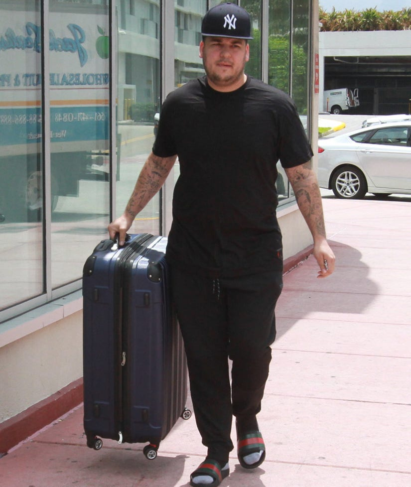 """Rob Kardashian Thrilled with Weight Loss -- But Says He's Still """"Got a Lot of Work to Do"""""""